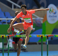 男子400メートル障害予選を突破し、準決勝進出を決めた野沢啓佑=諫山卓弥撮影