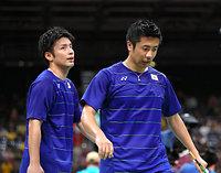 男子ダブルス準々決勝で敗退した遠藤大由(右)、早川賢一組=林敏行撮影