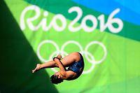 女子高飛び込みで、準決勝進出を決めた板橋美波=西畑志朗撮影