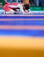 女子53キロ級決勝で、マルーリスに敗れ涙を流す吉田沙保里=諫山卓弥撮影
