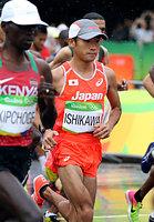 男子マラソンでスタートする石川末広=長島一浩撮影