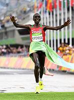 男子マラソンで優勝したエリウド・キプチョゲ=諫山卓弥撮影