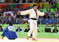 男子60キロ級3位決定戦、銅メダル獲得を決めて喜ぶ高藤直寿=竹花徹朗撮影