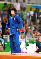 女子63キロ級3位決定戦で敗れ、銅メダルを逃した田代未来=諫山卓弥撮影