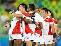 準決勝進出を決めて喜ぶ日本の選手たち=西畑志朗撮影