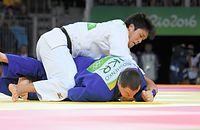 男子100キロ級3位決定戦で銅メダルを獲得した羽賀龍之介=竹花徹朗撮影