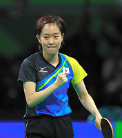 女子団体予選の第1試合でポーランドを破った石川佳純=長島一浩撮影