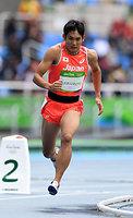 男子800メートル予選に出場した川元奨=諫山卓弥撮影