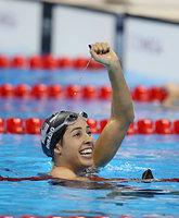 女子200メートル背泳ぎで優勝したディラド=西畑志朗撮影