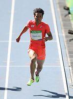 男子100メートル予選を突破した山県亮太=林敏行撮影