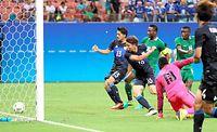 後半、浅野はチーム3点目となるゴールを決める=西畑志朗撮影