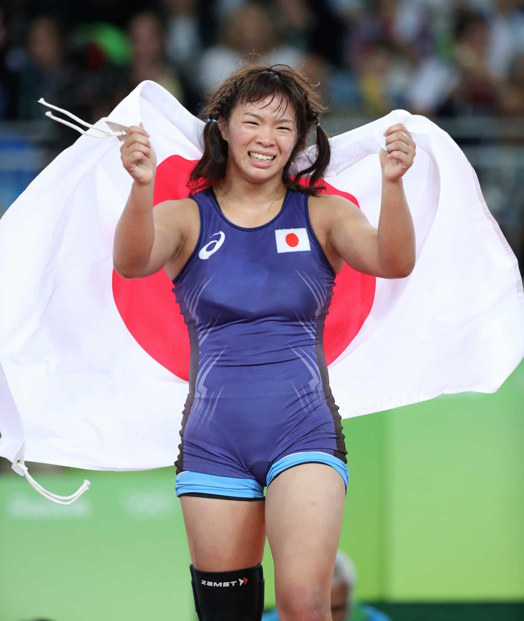 女子63キロ級で、金メダルを獲得した川井梨紗子=林敏行撮影