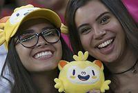 女子サッカー、中国―スウェーデンを観戦するファン=ロイター