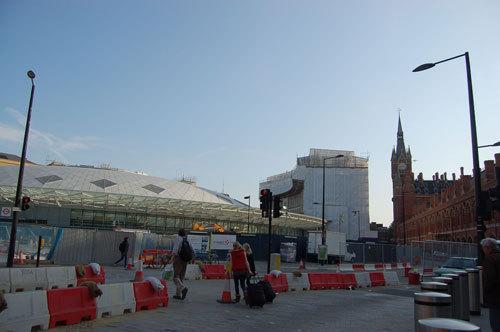 写真:ロンドン市街では、あちこちで工事が行われている:ロンドン市街では、あちこちで工事が行われている