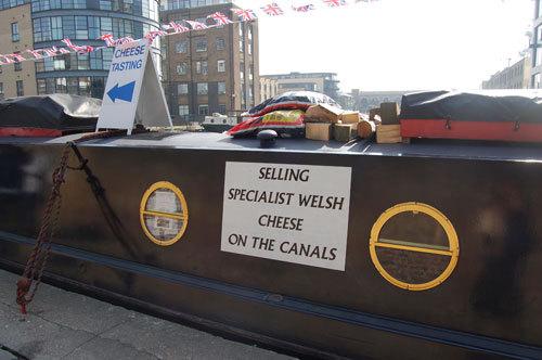 写真:ウェルシュ(ウェールズ産)チーズに特化したのは、マーケティング力にすぐれたジェラルディーンさんの発案