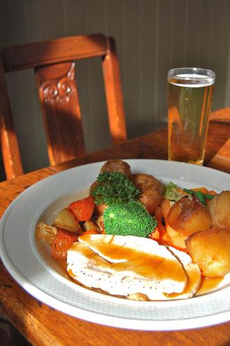 写真:パブで気軽に食べることができるサンデー・ロースト