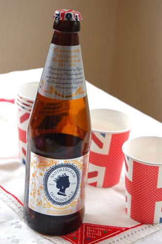 写真:ダイヤモンド・ジュビリー記念のエールビールも登場。ビールにうるさい(?)英国人たちからも好評のようだった