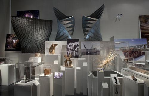 写真:展覧会では、実際のスタジオをのぞいているような気分になれる=ヴィクトリア&アルバート博物館提供 © V&A Images