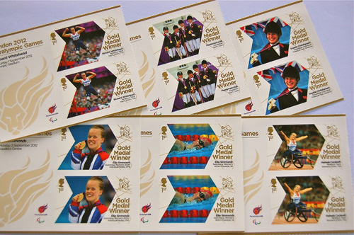 写真:パラリンピック金メダル受賞者の特別切手も販売された