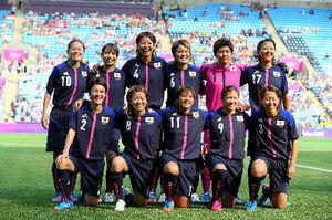 写真:カナダ戦に臨むなでしこジャパンの選手たち=西畑志朗撮影