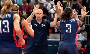 写真:米国女子バレーボールのマッカーチョン監督=西畑志朗撮影