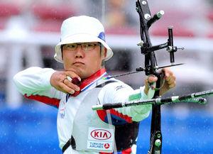 写真:男子リカーブ1回戦で敗れた古川高晴=白井伸洋撮影