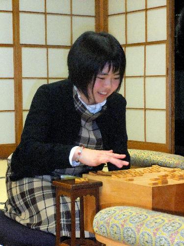 写真:初代女流王座に就いた加藤桃子奨励会1級=東京都渋谷区