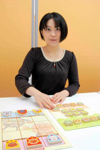 写真:様々な新しい「将棋」を手がける北尾まどか女流初段=東京都新宿区