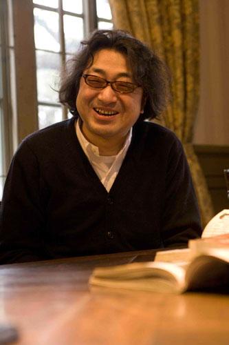写真:作者の山田芳裕さん=講談社提供