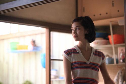 写真:こちらは水原希子さん。映画は11日から公開中 (C)2010「ノルウェイの森」村上春樹/アスミック・エース、フジテレビジョン