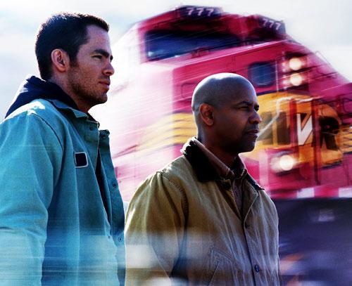 写真:「アンストッパブル」のクリス・パイン(左)とデンゼル・ワシントン (C)2010 Twentieth Century Fox