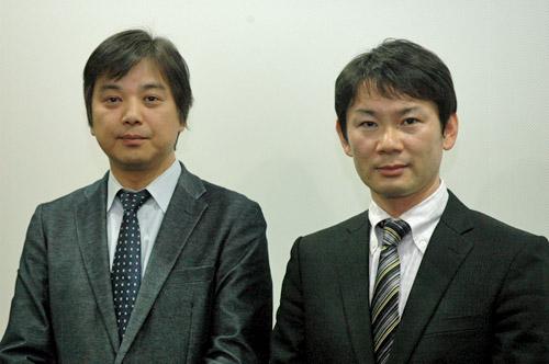 写真:阿武野勝彦プロデューサー(左)と齋藤潤一監督。取材には約10カ月かけたという