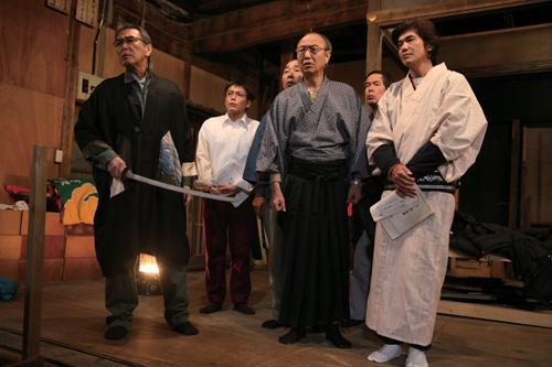 写真:「大鹿村騒動記」も公開中。左端が原田芳雄 (C)2011「大鹿村騒動記」製作委員会