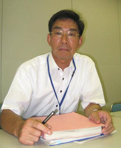 写真:取材に応じてくれた青少年・治安対策本部総合対策部の安井一彦連絡調整担当課長