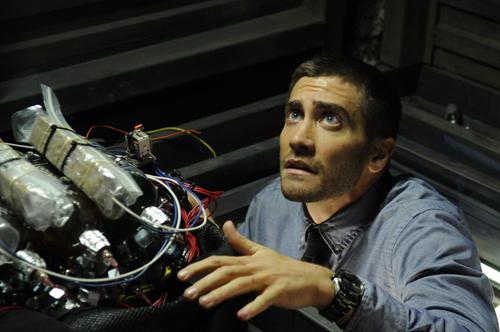 写真:爆弾を発見するコルター