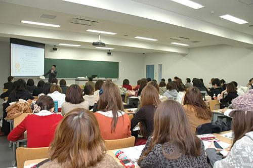 写真:受講者は女性がかなり多かったです