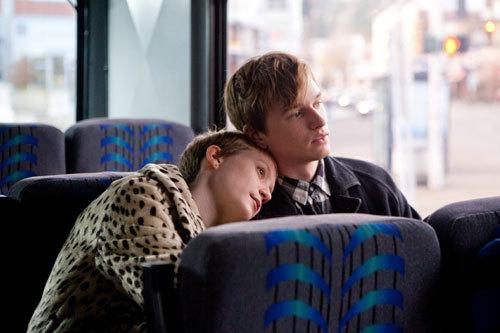 写真:「永遠の僕たち」 (c)Sony Pictures Digital Inc.