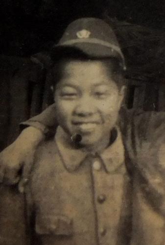 写真:スケッチ旅行をしていた頃の大塚康生少年