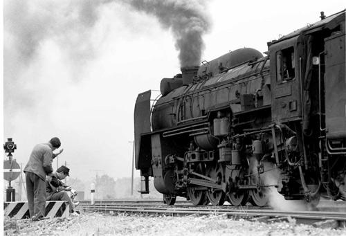 写真:「D52休息」函館本線大沼にて=1969年、南正時さん撮影