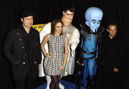 : 11月7日、北米映画興行収入は、アニメ「メガマインド」が初登場首位。写真は同作品に声優で出演したブラッド・ピット(左)、ティナ・フェイ(左から2番目)ら。3日撮影(2010年 ロイター/Lucas Jackson)