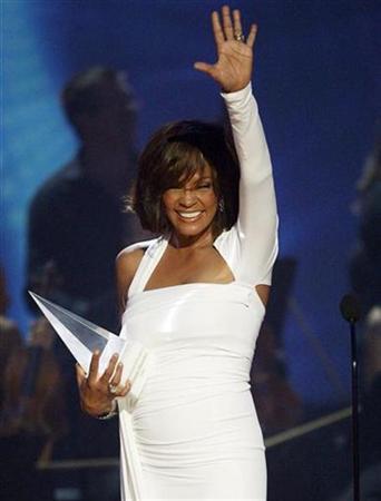 :2月11日、米人気歌手で女優のホイットニー・ヒューストンさんが48歳の若さで死去。2009年11月撮影(2012年 ロイター/Mario Anzuoni)