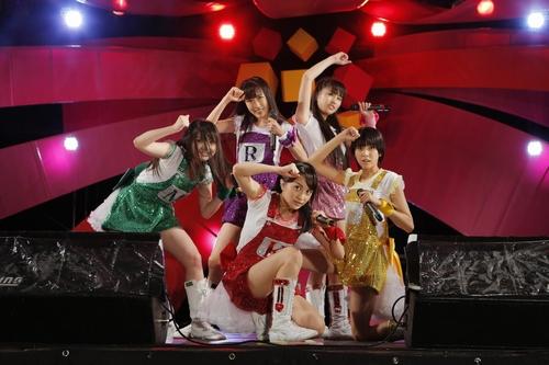 :大阪1日目のももいろクローバーZ。 Courtesy of SUMMER SONIC 2012 photo by Hajime Kamiiisaka
