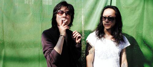写真:フリクションのレック(左)と中村達也