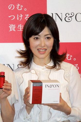 写真:荻野目洋子