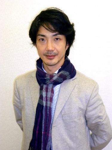 NAVER まとめ狂言師 【野村萬斎】 鼻の下のうっすら黒い部分は髭?