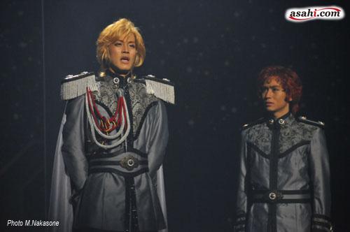 写真:舞台「銀河英雄伝説」より=撮影・仲宗根美幸
