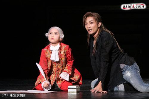 写真:ミュージカル「モーツァルト!」の舞台より=東宝演劇部