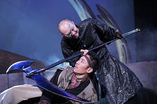 写真:30−DELUX「デスティニー」公演より=PHOTO:KAZUNORI ITO