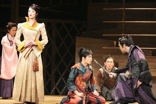 写真:ミュージカル「風を結んで」より=写真提供:東宝演劇部