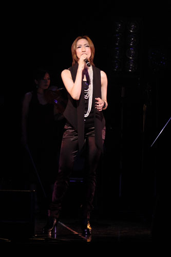 写真:「First Anniversary Special Talk Live」より